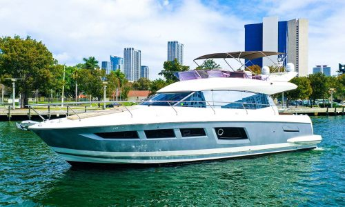 50-yacht-rental-miami-beach-1
